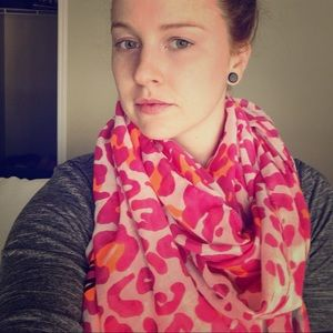Bebe infinity scarf